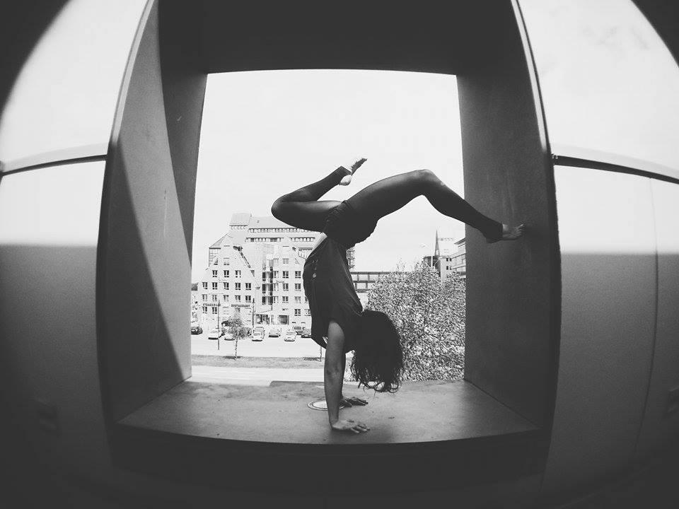 Handstand_Hmt